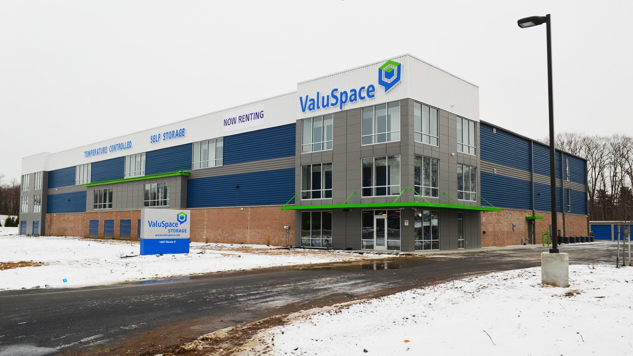ValuSpace Halfmoon